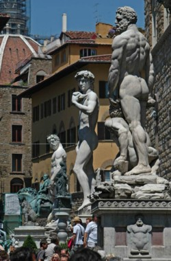 <b>The sculptures in the Piazza della Signoria</b>