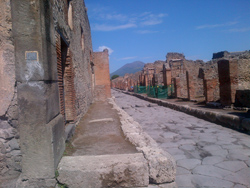 <b>Via Stabiana in Pompeii ruins</b>