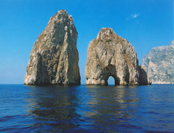 <b>The Faraglioni Rocks, the symbol of the island</b>