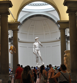 <b>The Gallery with David by Michelangelo</b>