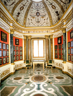 <b>Cabinet of Miniatures in the Uffizi Gallery</b>