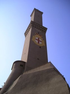 <b>La Lanterna, the main lighthouse for the city's port and symbol for the city of Genova</b>