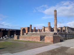 <b>Temple of Jupiter in Pompeii</b>