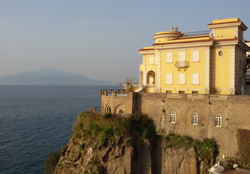 <b>Villa Nicolini and Mt Vesuvius</b>